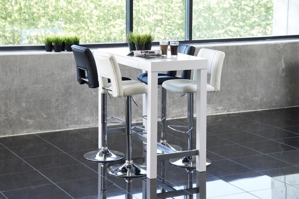 Bílý barový stůl Nazanin