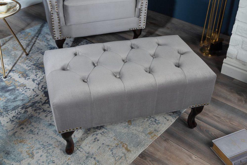 Designová taburetka Chesterfield stříbrný samet