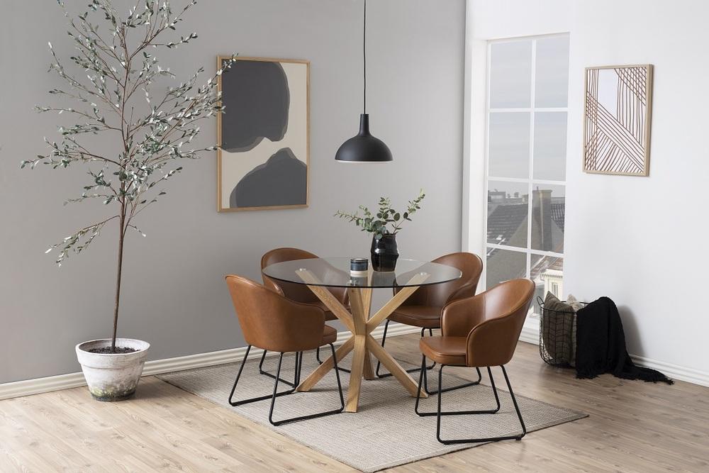 Dizajnová jedálenská stolička Alfie, koňaková