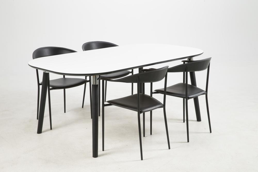 Jídelní stůl Nicolina 180 cm bílý laminát