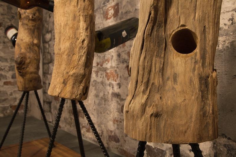 Designový regál na víno Lyric, 103 cm, teak